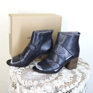 Lucky Brand || Black 'Kabott' Heeled Sandal